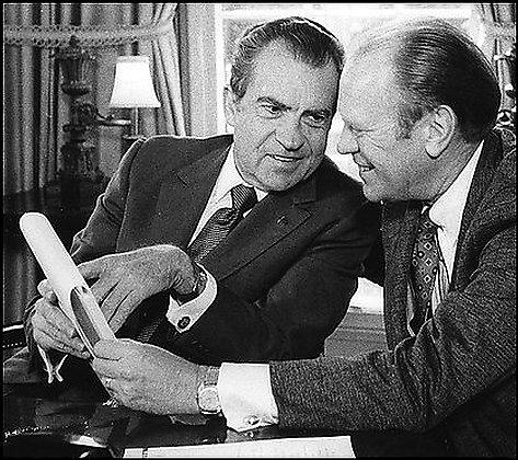 a comparison on the similarities and differences of richard m nixon and gerald r ford as ex presiden Final exam - topic #3 analyze, compare and contrast fdr's new deal with lbj's great society richard nixon 1968, 1972 gerald ford app 1974.